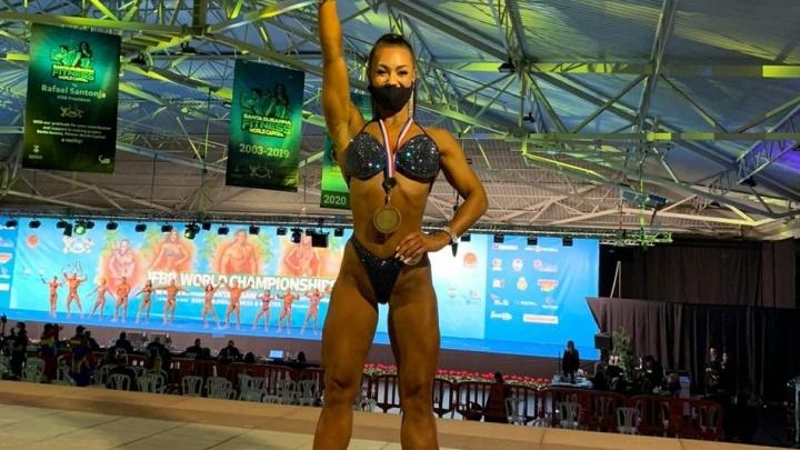 Челябинка стала двукратной чемпионкой мира на соревнованиях по бодибилдингу