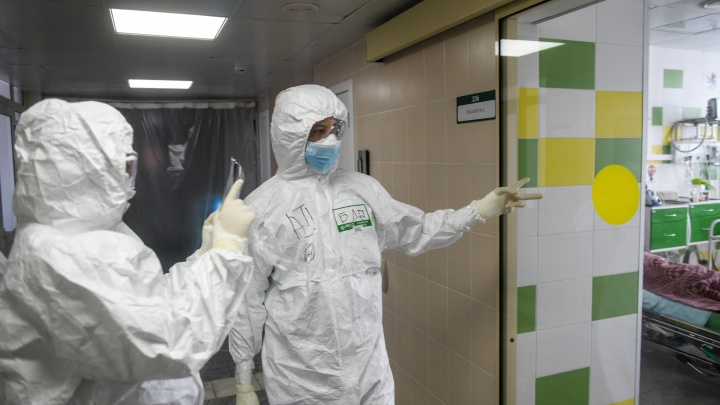 В Свердловской области коронавирусом стали чаще болеть пожилые люди и дети