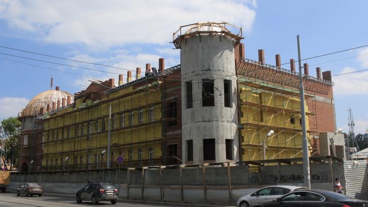 Симановский позавидует: разглядываем богатые интерьеры бани, которую строят на Куйбышева