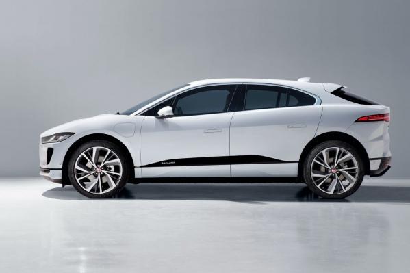 Jaguar I-Pace стоит от5 946 000 рублей, но не пугайтесь — мы нашли электромобили и подешевле (от 250 тысяч)