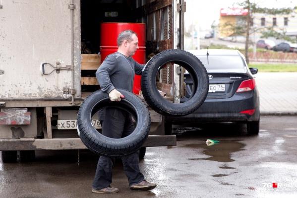 Ежегодно автомобилисты выбрасывают тысячи комплектов старых покрышек