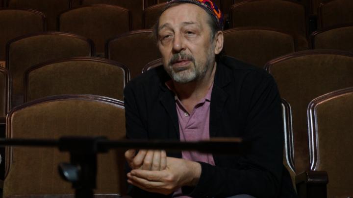 «Все артисты устроились работать курьерами, охранниками»: Коляда — о закрытии театра и гранте Путина