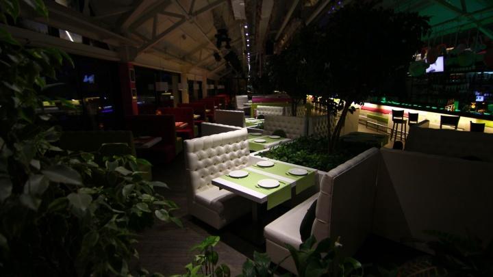 Самарским ресторанам разрешили работать в новогоднюю ночь