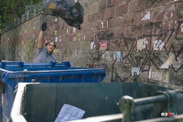 Чиновники подсчитали, сколько мусора выбрасывают самарцы