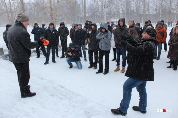 Так митинг проходил в 2018 году. Выступает председатель регионального отделения партии «ПАРНАС» Юрий Щербачев