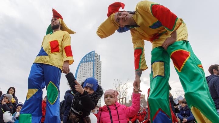 «БлинОк», метлобол и сожжение гигантского чучела: программа масленичных гуляний в Волгограде на 1 марта