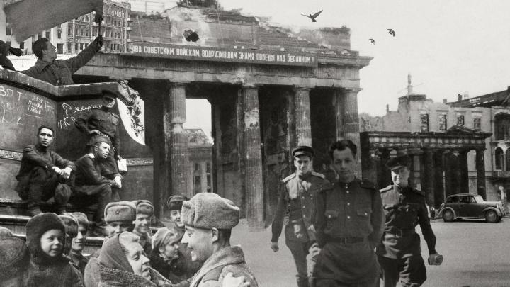 Мы запустили «Первый фронтовой» инстаграм. Собираем в нем военные снимки и истории со всей страны