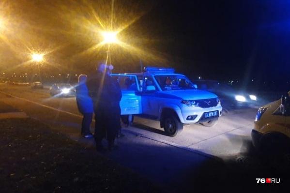Полицейские уговорили девушку отойти в безопасное место