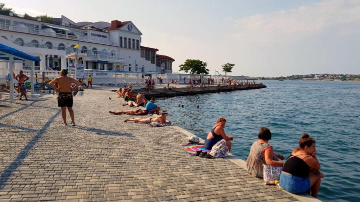 «Жилище было феерически дешевым»: сибирячка рассказала, как бюджетно съездить в Крым и где найти пустые пляжи