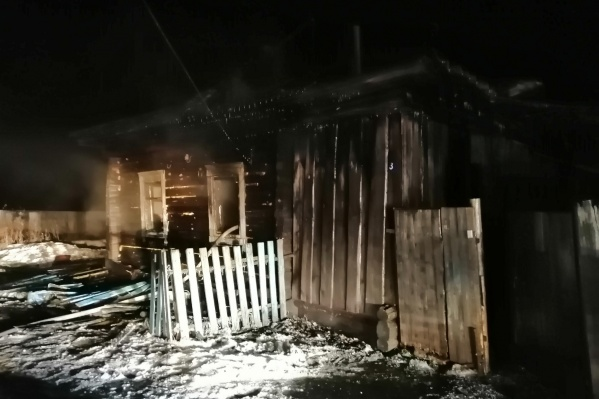 Пожар произошел сегодня в деревне Петелино