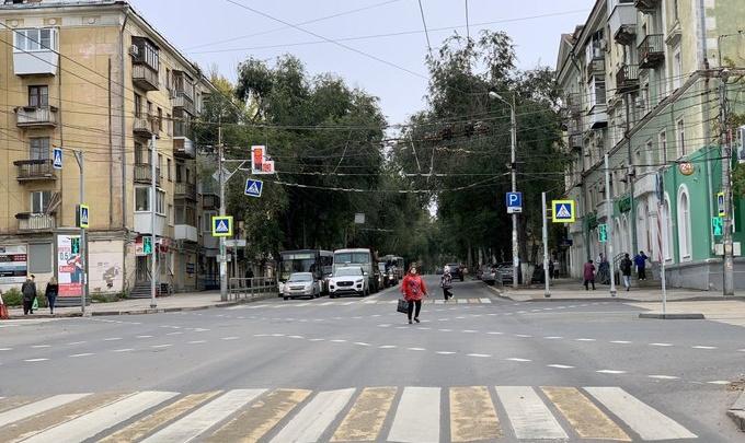 В Самаре на пересечении Масленникова — Мичурина нанесли диагональную разметку для пешеходов