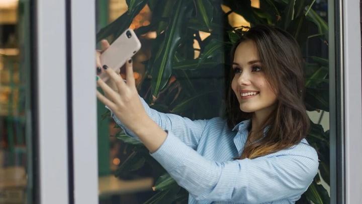 Новосибирцы стали в пять раз чаще подключаться к операторам связи с помощью селфи