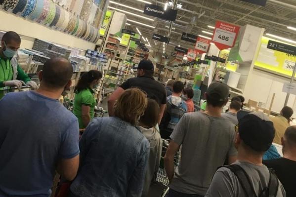 Ограничения, наложенные на магазины, только ухудшили ситуацию