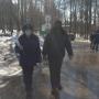 В Уфе чиновники с полицией разогнали отдыхающих в парке, поскольку те нарушили карантин из-за коронавируса