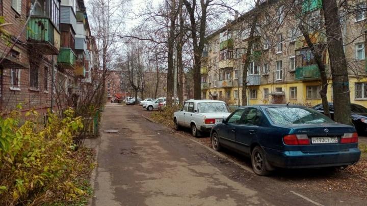 «Даже ларьки не работают»: в Ярославле жилой район отключили от электричества