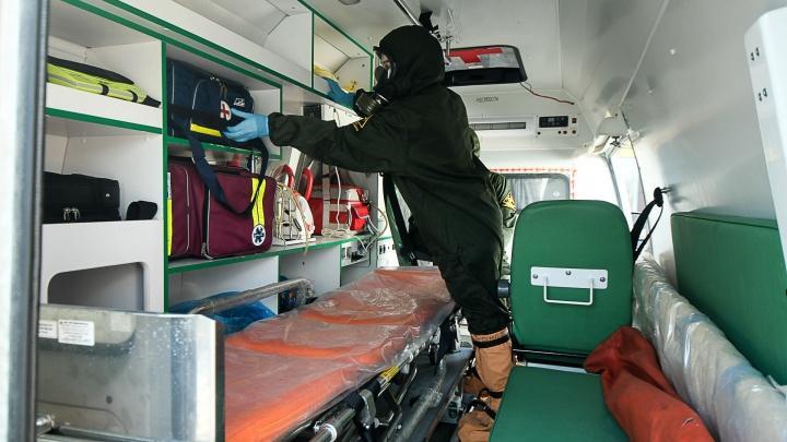 В Екатеринбурге на ковидные вызовы стали отправлять даже заведующих подстанциями скорой помощи