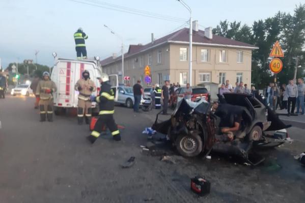 Погиб водитель одной из машин