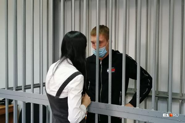 Зуев ранее был судим за кражу и мошенничество