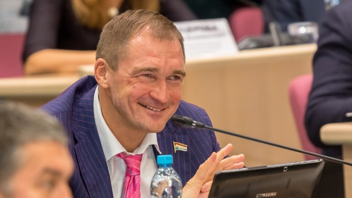 На депутатов Милеева и Дормидонтова хотят повесить долги водочного комбината «Родник»