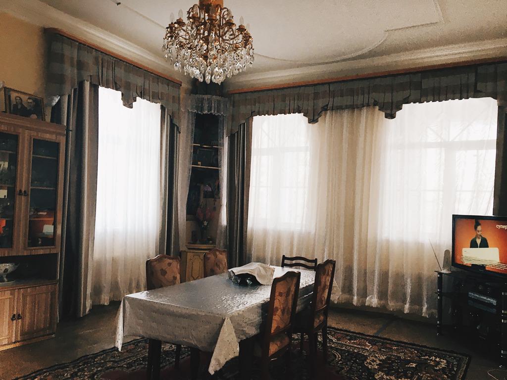 Комната-столовая
