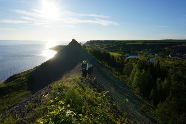 Завораживающий пейзаж. А вы бывали на онежском побережье Белого моря? Если да, то делитесь в комментариях — что вас впечатлило больше всего?