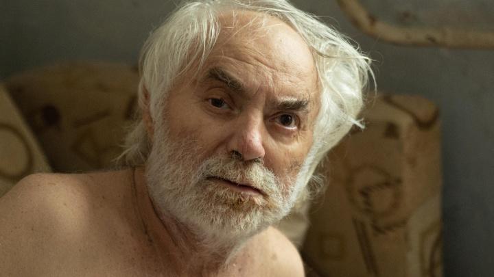 «Его оставили просто ждать смерть»: волгоградец с опухолью мозга умирает в одиночестве
