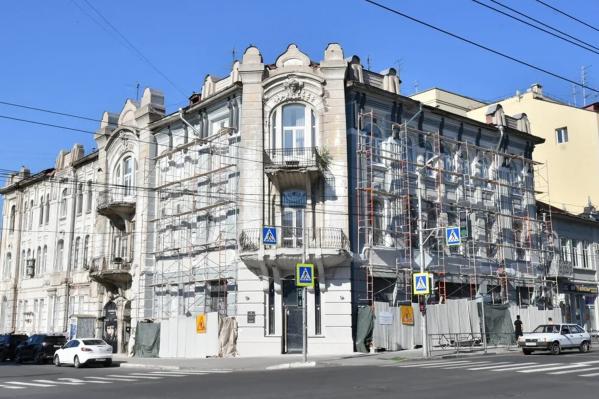 Доходный дом купца Филимонова находится на пересечении Ленинской и Льва Толстого