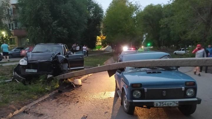 Челябинец за рулём Porsche Cayenne, уронивший столб на «Ниву», был без водительских прав