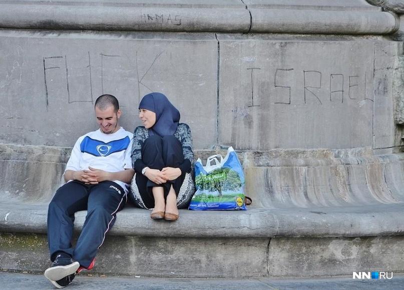 Это дело рук местных арабов, которых в Бельгии довольно-таки много<br>