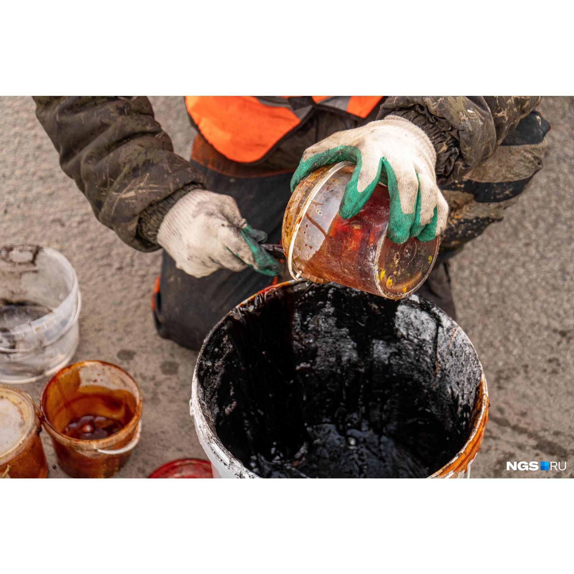 Главная задача — ликвидировать разрушения покрытия, которые дошли до арматуры