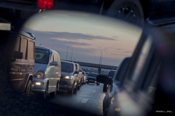 Передвижения автомобилистов по области не контролируют. По крайней мере пока