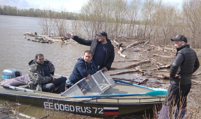 Братьев-рыбаков из Тобольска ищут вторую неделю: нужны добровольцы на моторных лодках