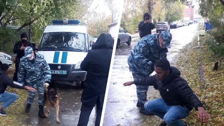 Кубинец подошёл к охране в Новосибирске и заявил, что у него в куртке бомба