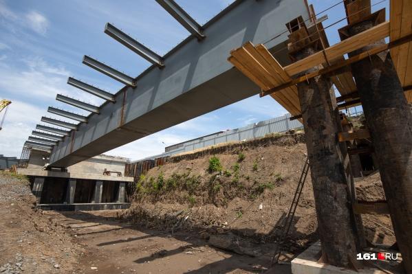 Мост должны достроить в 2021 году