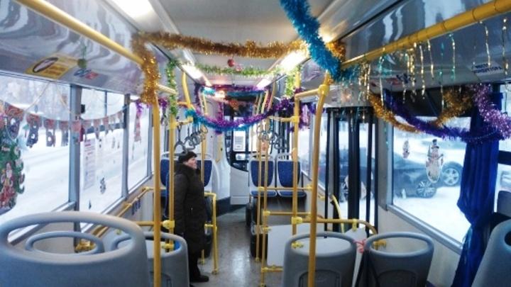 В новогоднюю ночь омичей развезут по домам на пяти автобусах