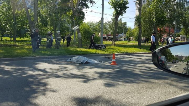 На ЖБИ насмерть сбили мотоциклиста