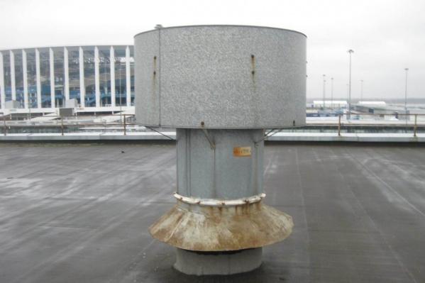 «Нижегородский водоканал» обязан устранить неприятный запах на Стрелке до лета 2021 года
