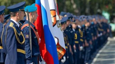 Семьи курсантов ЧВВАКУШа рассказали, как там готовятся к параду при вспышке COVID-19 в казарме