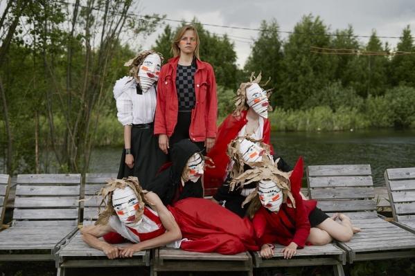Такие маски для музыкантов создали ребята