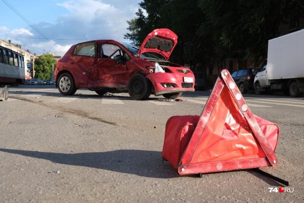 Реформа ОСАГО должна была «наказать» проблемных водителей, но сложности с покупкой «автогражданки» испытывают и безаварийные