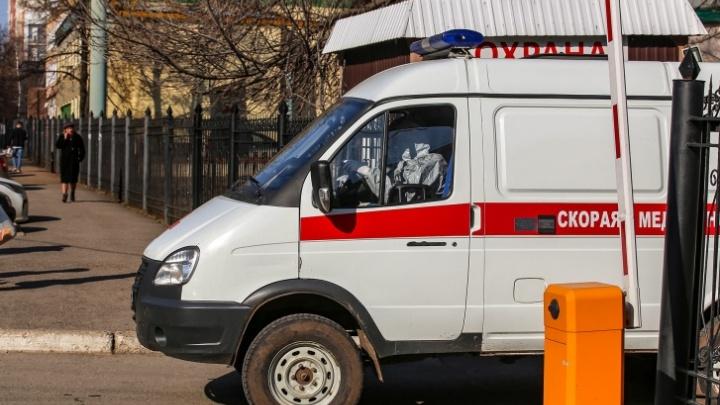 Заражённый COVID-19 магнитогорец попал в больницу с травмой головы