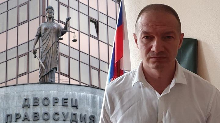 Суд арестовал обвиняемого в убийстве известного екатеринбургского адвоката