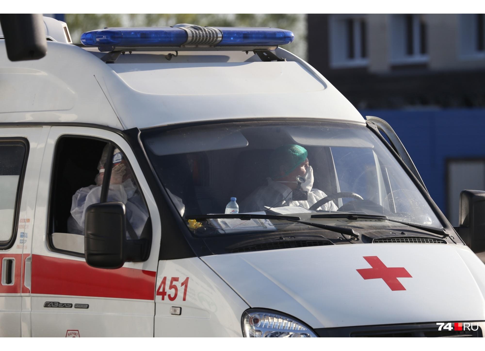 Больную на скорой отвезли в больницу, а потом на ней же доставили до дома