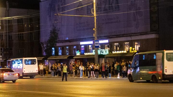 Автобусы после салюта и изменение маршрутов: как будет работать транспорт в праздник 75-летия Победы