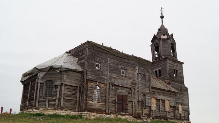 «Просто кино наяву»: публикуем фоторепортаж из старинной церкви-заброшки в селе Павловка
