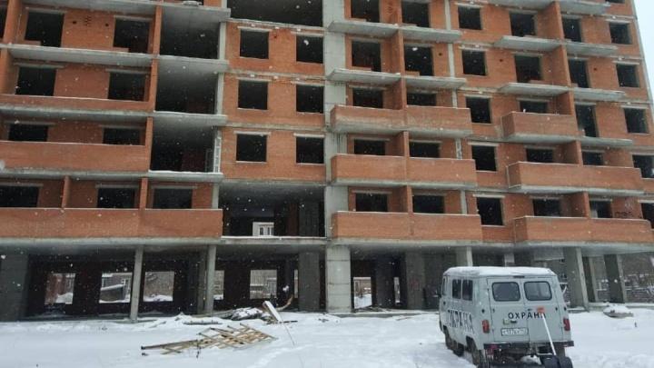 Власти назвали сроки возобновления строительства скандального кемеровского долгостроя