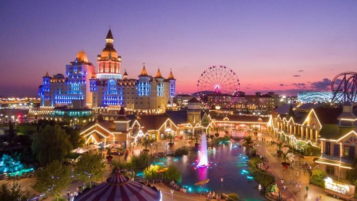 Тесла-шоу, отель-замок и Шарманщик: «Сочи парк» запустит новый сезон уже в конца марта