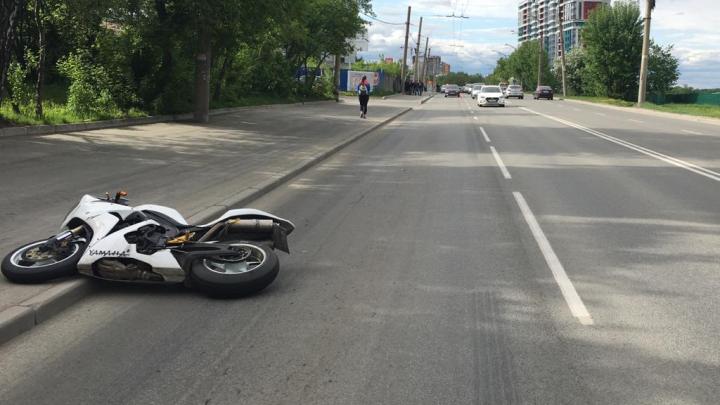 На Щербакова сбили мотоциклиста. От смерти его спасла экипировка и шлем
