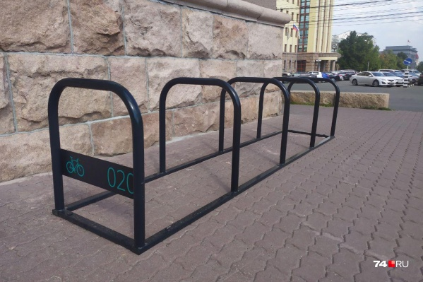 Велопарковка у челябинской мэрии пока не востребована