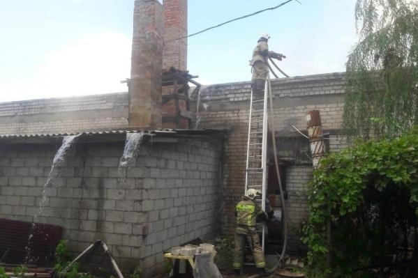 Емкости загорелись на расположенной на улице Вилянской нефтебазе